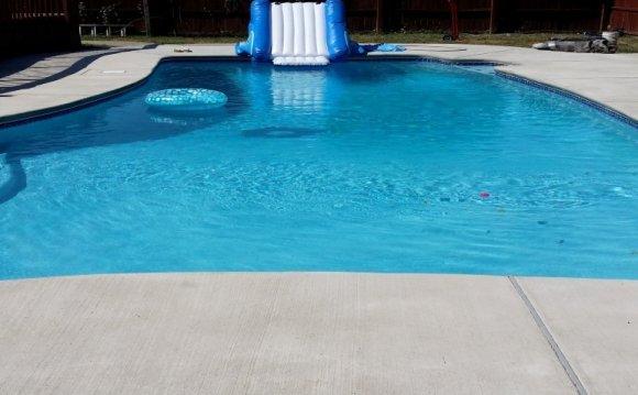 Pool cement repair / Swimming pools in Palm Beach Gardens