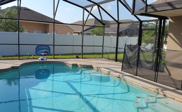 Nice self-cleaning pool system