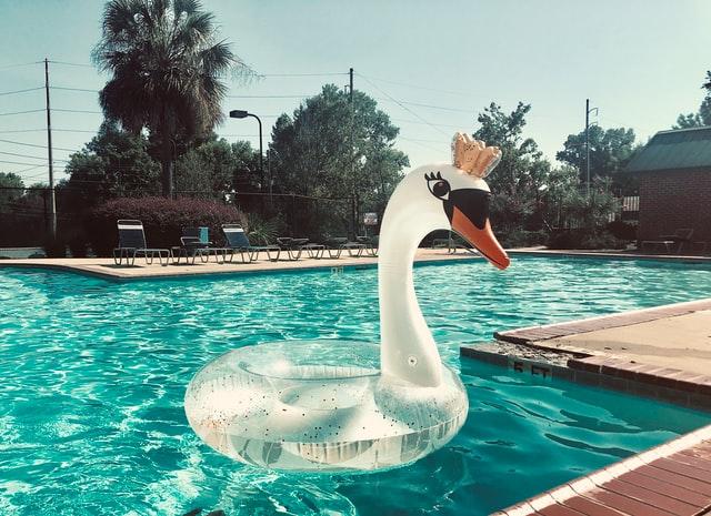 Repairing swimming pool