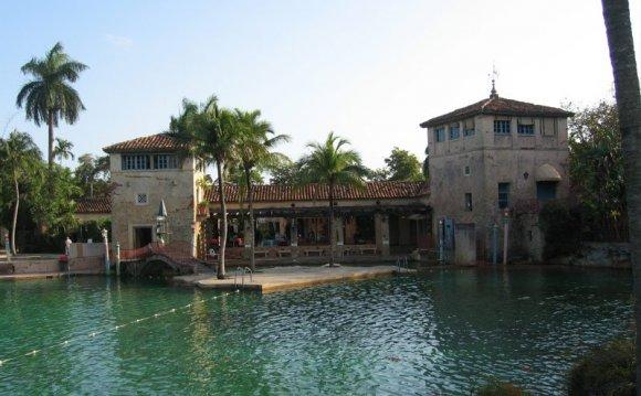 The Venetian Pool, Coral