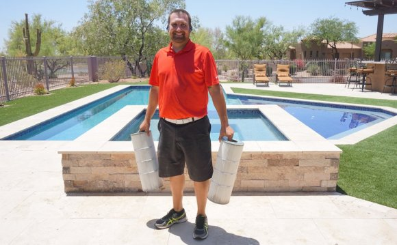 Pool filter cleaning service
