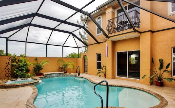 Florida Rentals House with pool