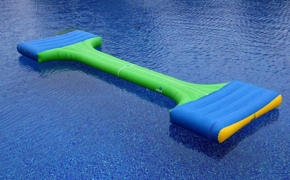 How to clean a green swimming pool?