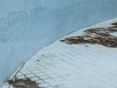 Repair swimming pool cracks