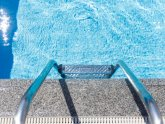 Swimming pool steps repair